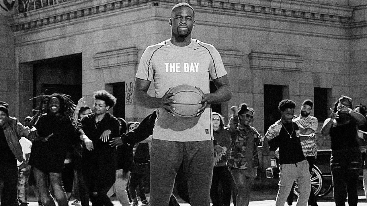 3060013-poster-p-1-draymond-green-gets-ready-with-e-40_1280